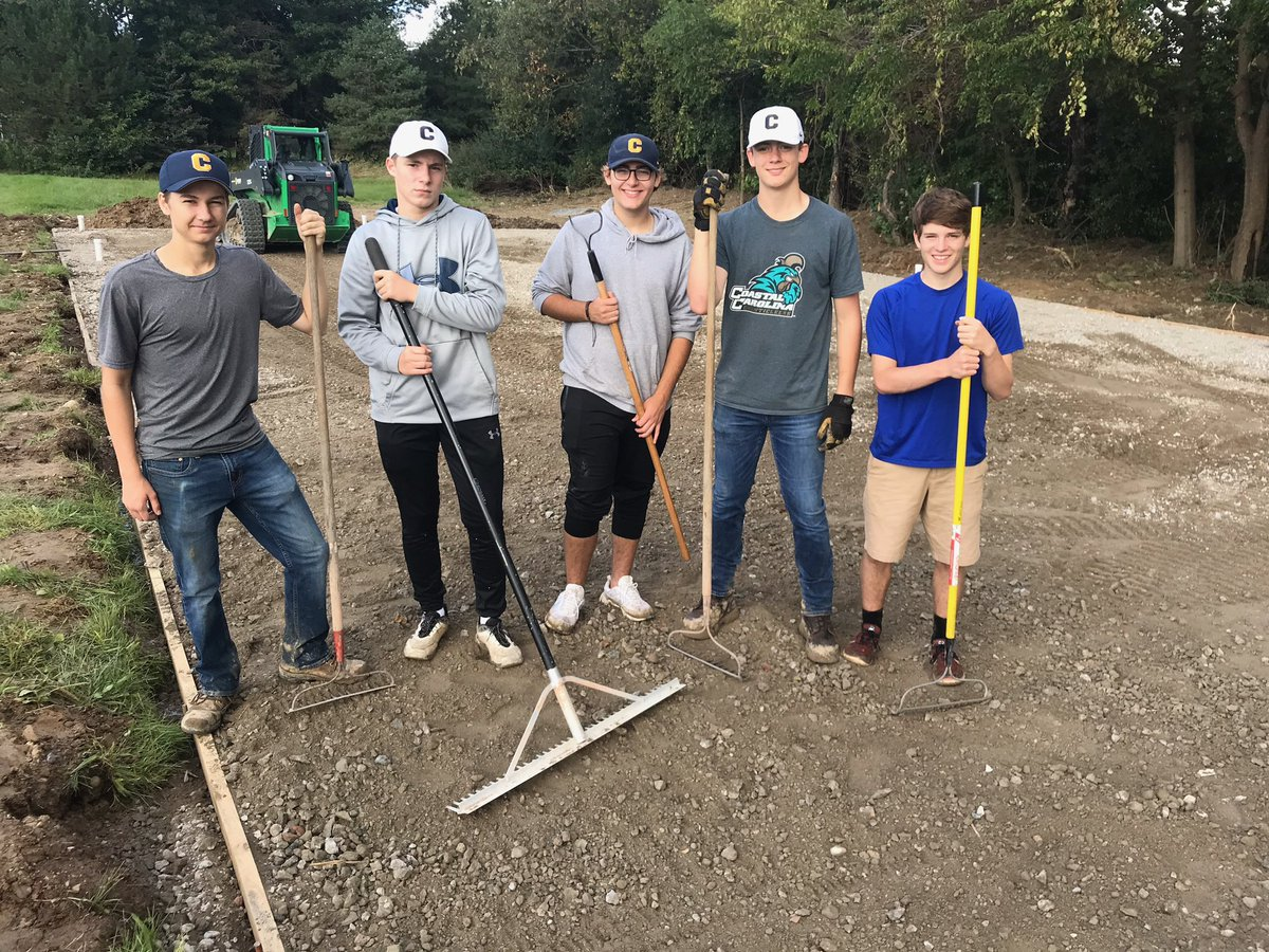 🧢🧢🧢🧢🧢 off for these guys who clocked in at 8am and joined @CoachArendsen38 yesterday for several hours of hard labor getting our new batting cages ready.   #WhereWereYou#5ToolPlayers #CallusSquad