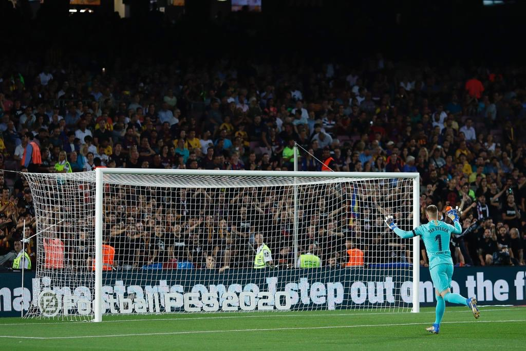 The feeling in Camp Nou is and will always be special!! We needed to give a strong response in La Liga last night, and we did exactly that with our win. Now full focus on the Champions League, a big first game waits for us in Germany. VISCA BARÇA! 🔵🔴 @FCBarcelona