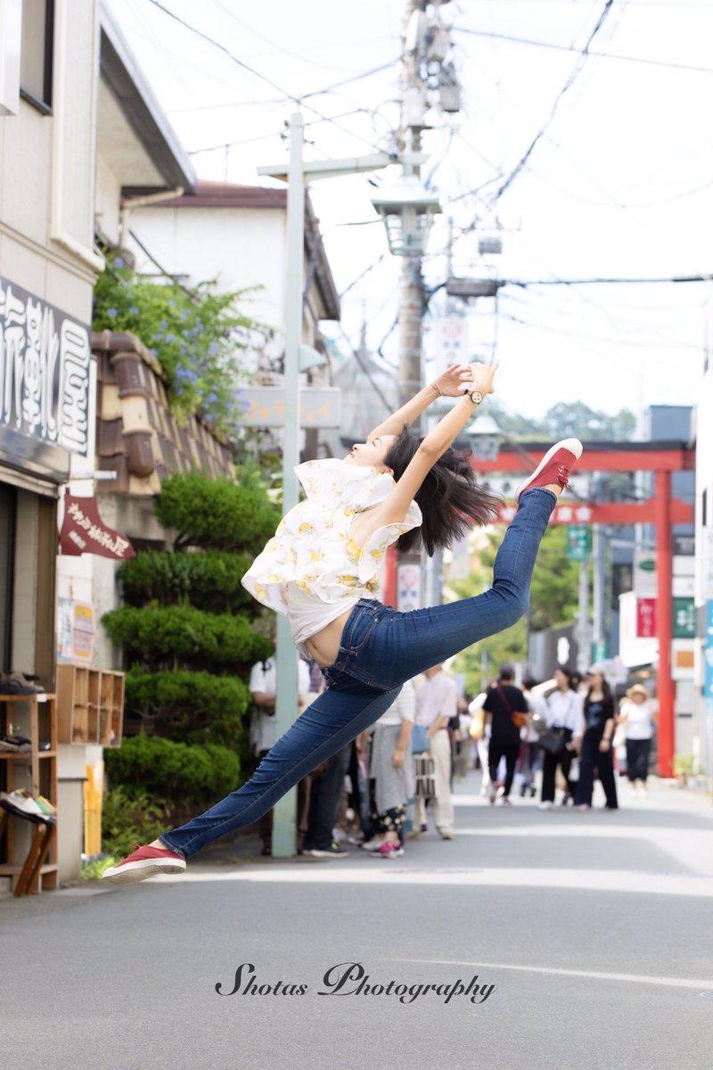 「日常にバレエを」model: @natsukozlife さんありがとうございました!#下町バレエ #streetballet #ストリートバレエ #バレリーナ #バレエ #kamakura #横浜 #yokohama #ballet #ballerina #art #アート #balletdancer #art_of_japan_  #balletproject #5dmark3http://shotasphotos.wixsite.com/shotas
