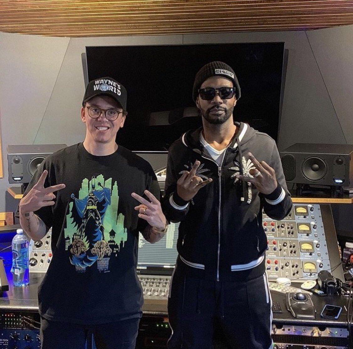 .@Logic301 x @therealjuicyj in the studio cooking ‼️