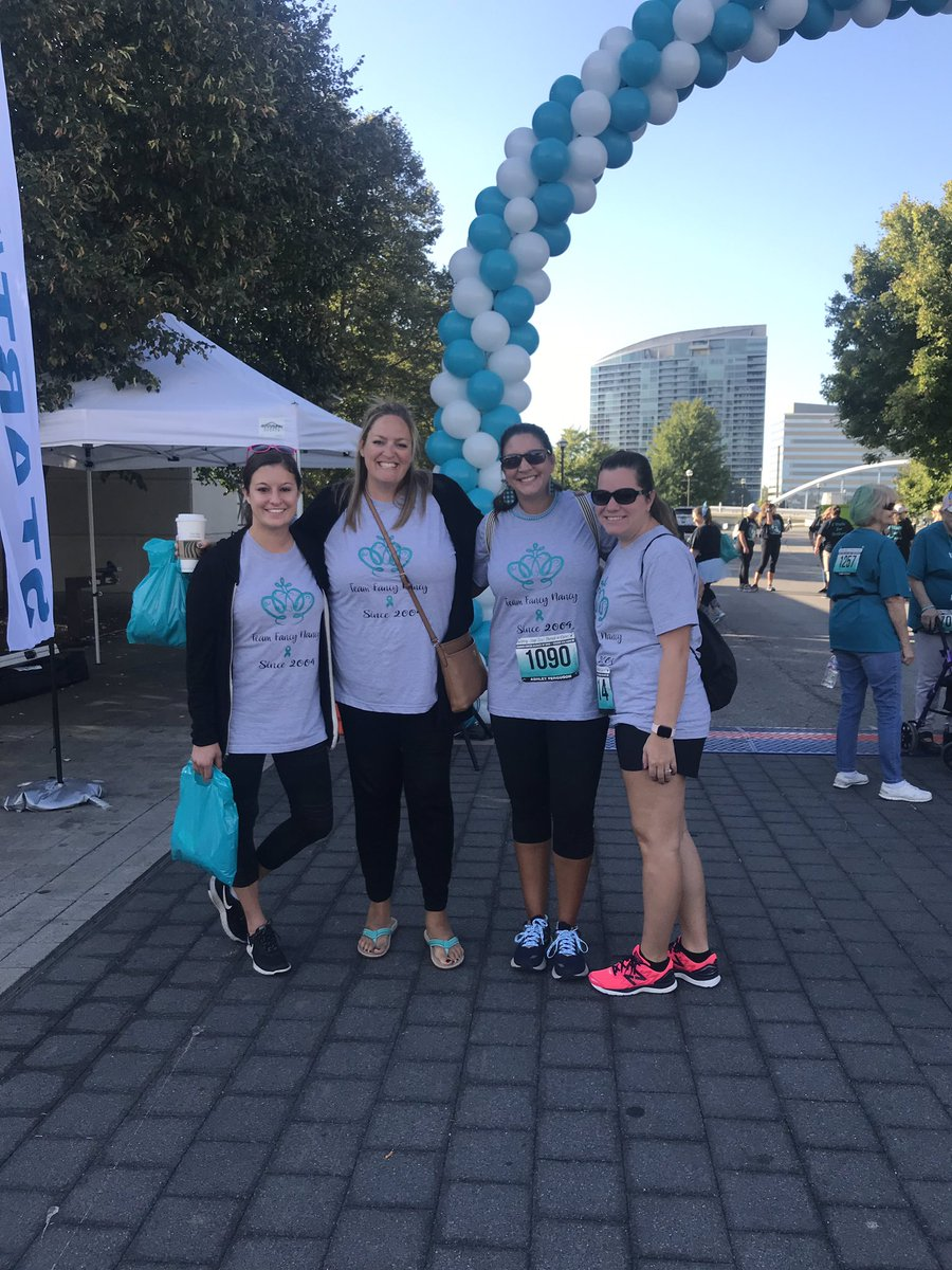 Some @HMSTEAMtigers supporting ovarian cancer at the Strides for Hope 5k #ReynProud