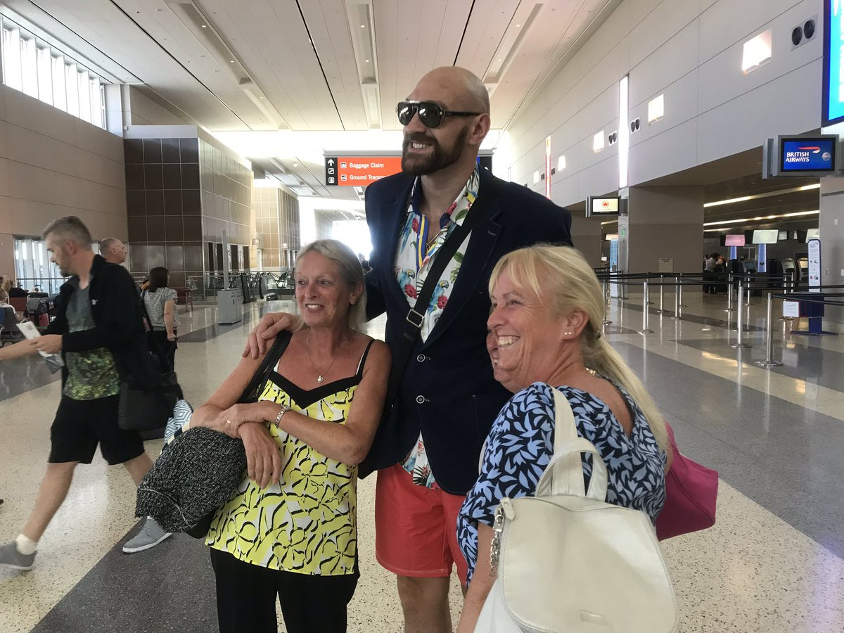 So @Tyson_Fury says he had over 40 stitches then got up and won five grand in Las Vegas this morning. All in a day's work. Here's more from the airport: https://www.bbc.co.uk/sport/boxing/49710108 … #boxing #bbcboxing #Fury