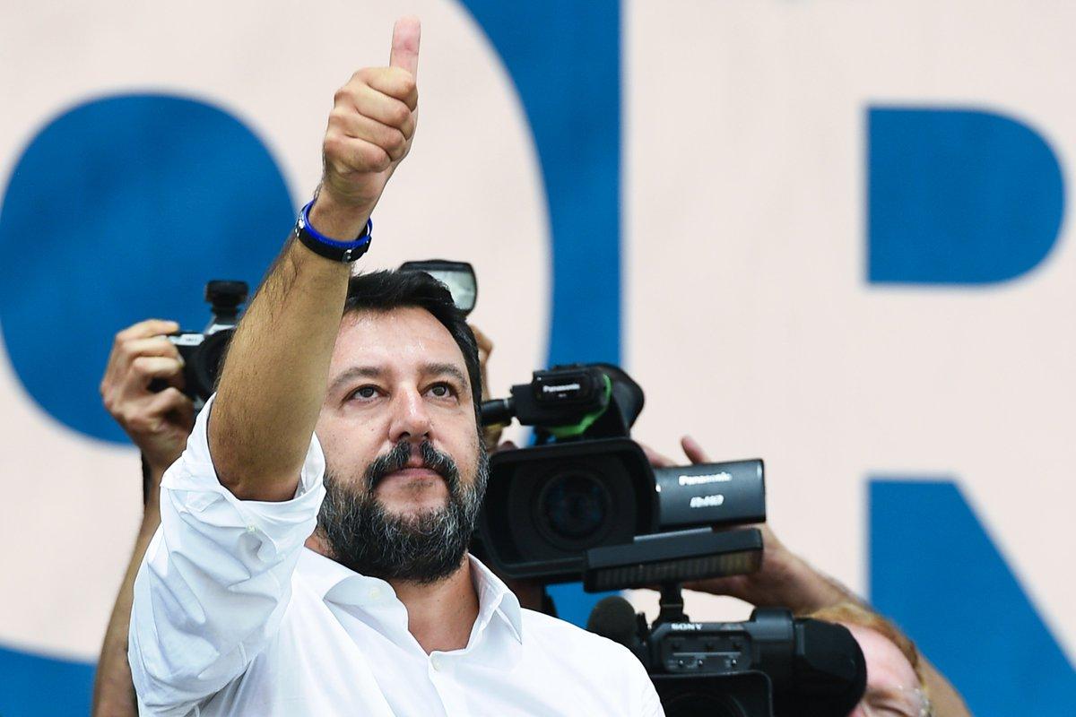 """""""Bimba a Pontida, Salvini sciacallo"""", leader Lega nel mirino http://ow.ly/KXT430pxqa6"""