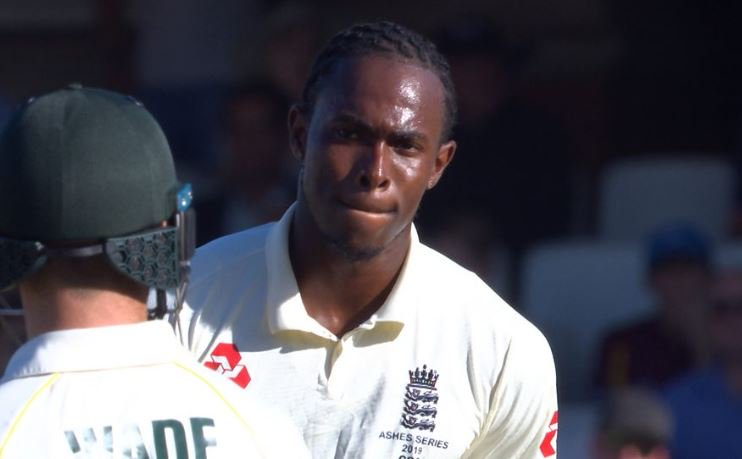Stare off, anyone?Watch 👉https://bbc.in/2kiJob3 #Ashes #ENGvAUS