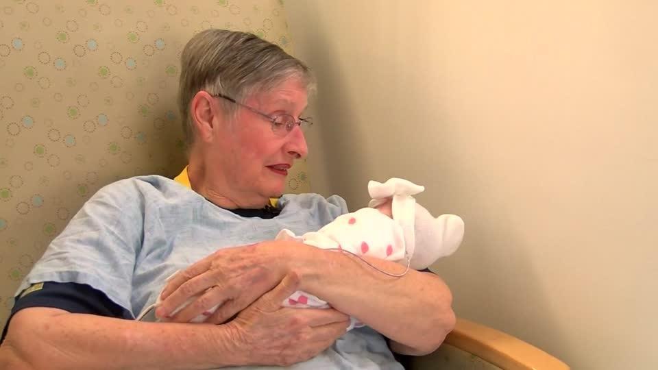 Volunteer cuddlers help premature babies grow dlvr.it/RD95lg