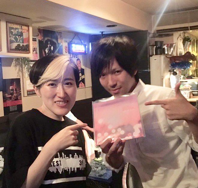 東京に来ていたFour Leaf Soundさんと。手売りしかいてないという100枚限定アナログ盤「Mugo.ん...色っぽい」を頂きました。Yuki Monolog Kanesakaプロデュースでボストン録音、浅田厚志がミックス、マスタリングはWax Alchemy。豪華すぎる盤でびっくり。