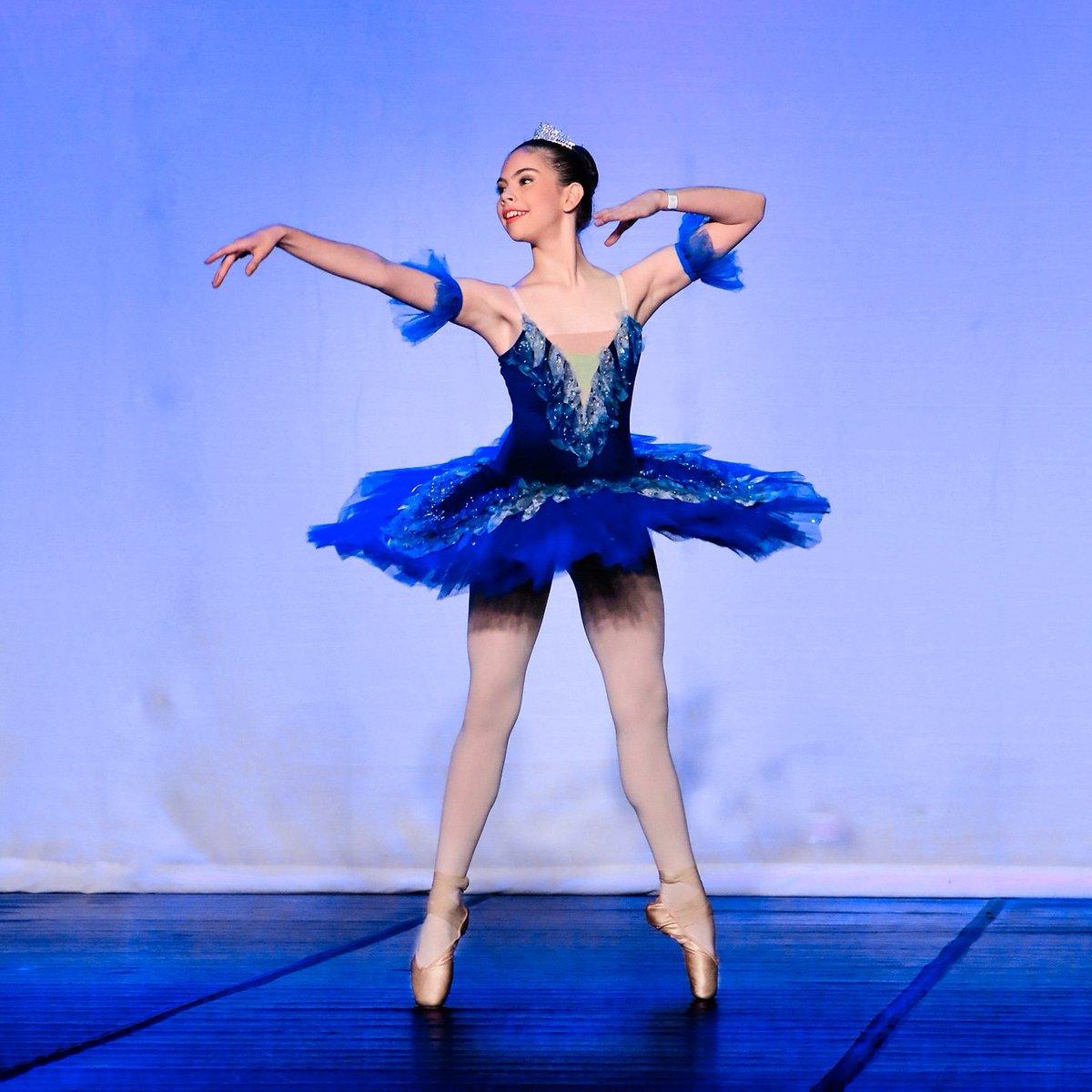 Princesa Florine 👸🏻🌺✨«Luciana Cáceres»  #バレエ #балет #Ballet #dance #Paraguay @SrRobsonmaia @balletrobsonmai
