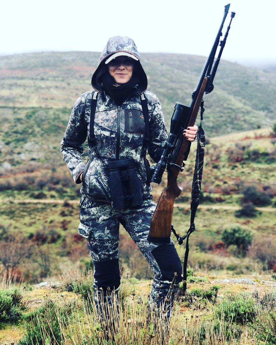 RT @NazaretJROutdoo: #buenosdias familia!! 😃😉💪🏼ánimo con el lunes!🤗#pasionmorena #stylehunter #outdoors #caza #hunting #huntress #whatgetsyououtdoors #girlsthathunt #womanhunter #fallowdeer #instachasse #ladyhunter #caccia #deer #deerhunting #mundo…