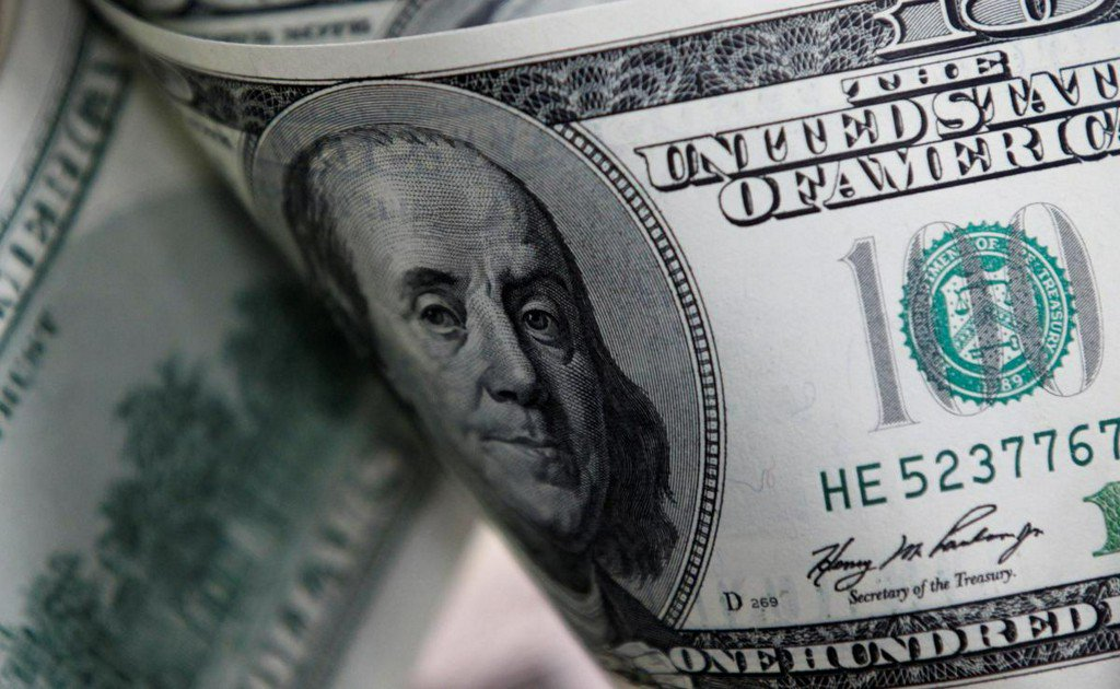 Dollar falls as oil attacks send investors to safety reuters.com/article/us-glo…