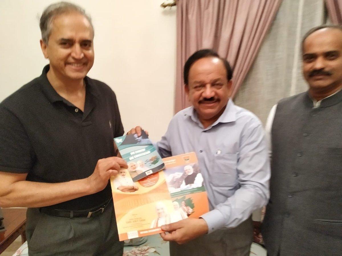 Dr Harsh Vardhan Auf Twitter As Part Of Jansampark Abhiyan To Spread Awareness Abt Benefits Of Article370 Abrogation I Called On Padma Bhushan Dr Devi Shetty Senior Politician Mr Pgr Sindhia