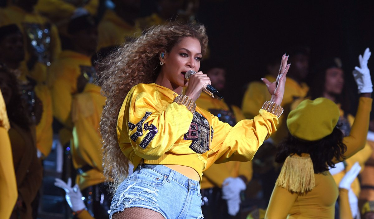 Beyoncé's 'Homecoming' film snubbed at #Emmys2019 thefader.com/2019/09/15/bey…