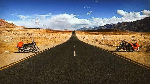 #Leh - #Kargil Highway is one of the best roads in the #world.#kargil #leh #ladakh #ladakhdiaries#shantistupa #photography #landscape #landscapephotography #landscape_lovers #India #mountains #Himalayas #traveler #travelphotography #travel #beautiful Pic : #LoveKargil