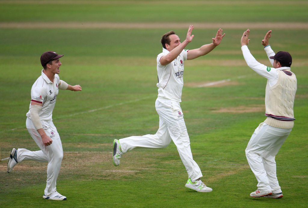 What a start for Championship chasing @SomersetCCC. @hantscricket reduced to 12/3. Commentary continues @5liveSport https://bbc.in/2lOq4D1#bbccricket