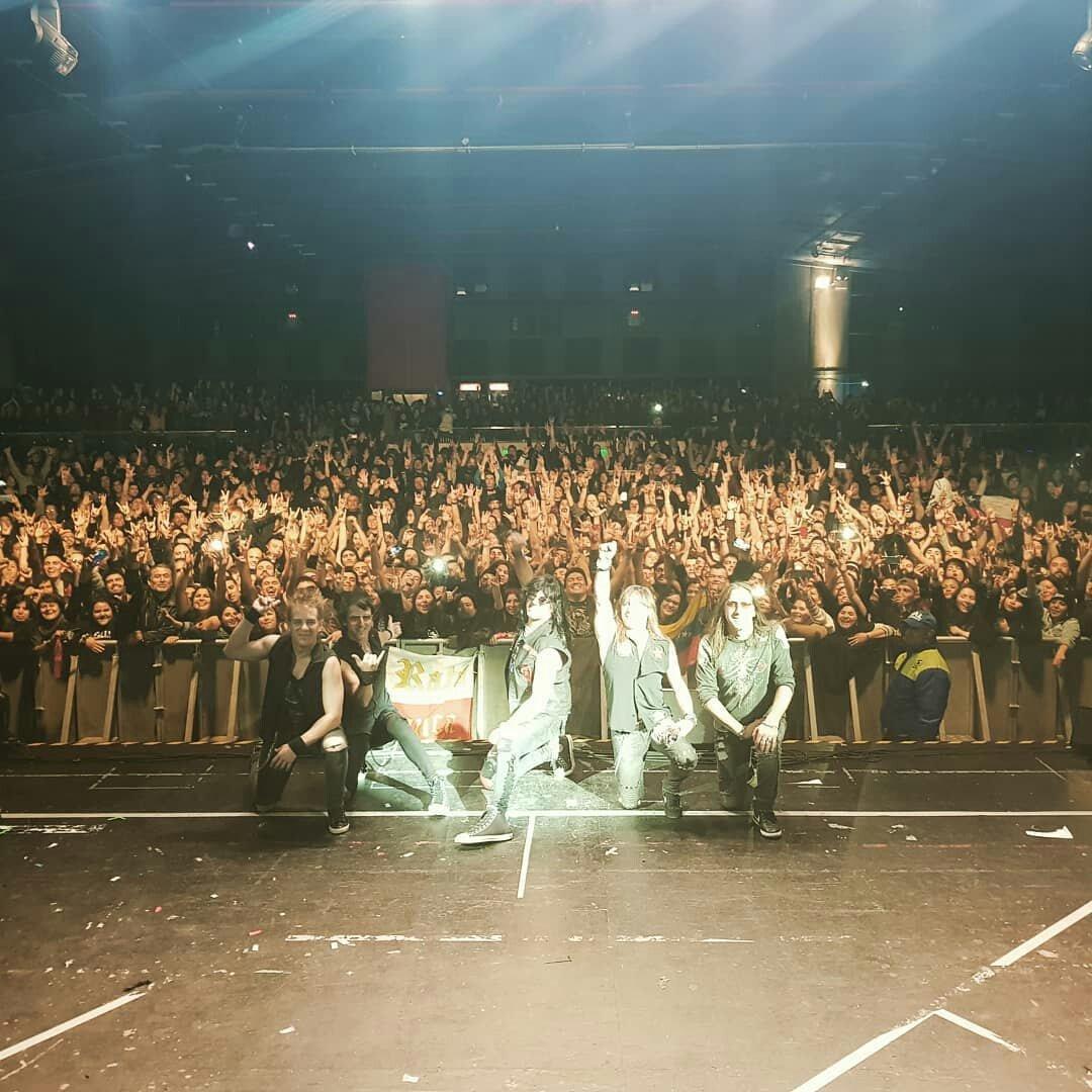 Gracias Santiago #chile #tour #hardrock #teleton #ratablanca