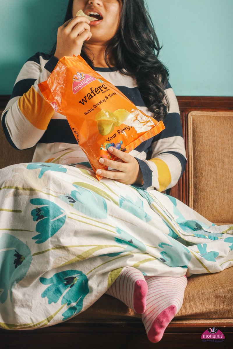 Nothing better than some crunchy wafers in bed.Wafers Rs 65/-#monginis #monginisgoa #wafers #potatochips #potatoes #chips #food #foodie #foodporn #instafood #snacks #delicious #tasty #fries #foodphotography #yummy #foodlover #snack