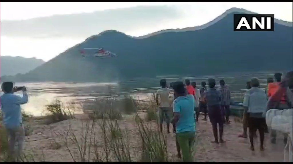 Boat capsize incident in East #Godavari district: Rescue operations resumed at 5:45 am today with two helicopters and 8 boats. Gates of #Dowleswaram barrage closed down & search is underway there as well. 11 people have died in the incident. (📸:ANI)#AndhraPradesh #News