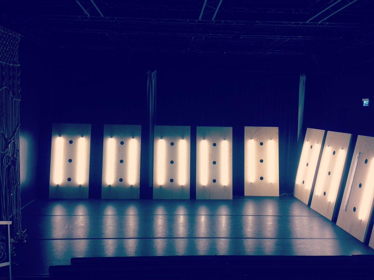 Idag börjar repetitioner av vårt kommande dansprojekt verkningar, av och med Jannine Rivel. Premiär 22 november på Scenkonst Sörmland. Mer info via https://t.co/sPOzrrD0Rb https://t.co/FUm3t6bcbL