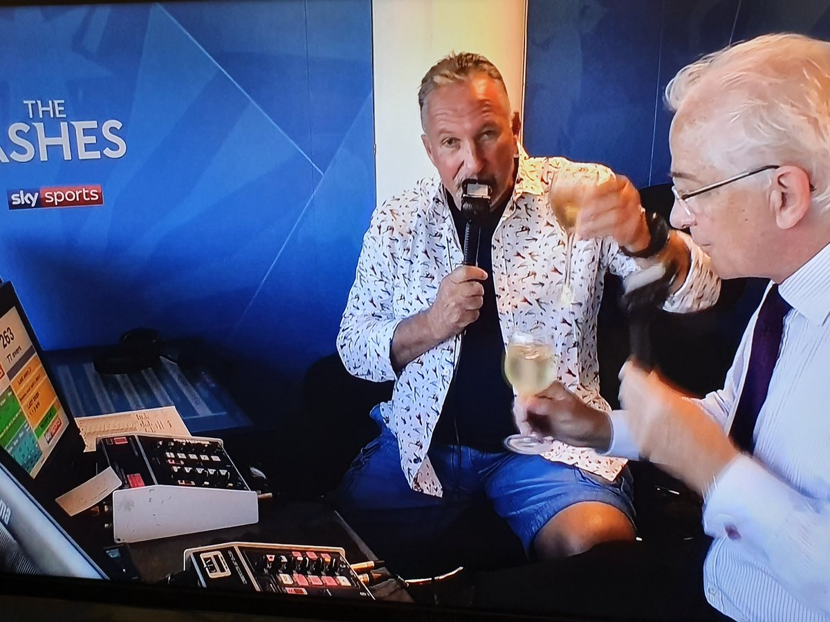 Indeed a sad moment as we dont know when next would we be able to hear David's eloquent voice..Emotional moment for listener fans, probably the final time we have seen them together in the Sky box...good way to end by raising a toast...all good things do end! #Ashes2019 #Ashes