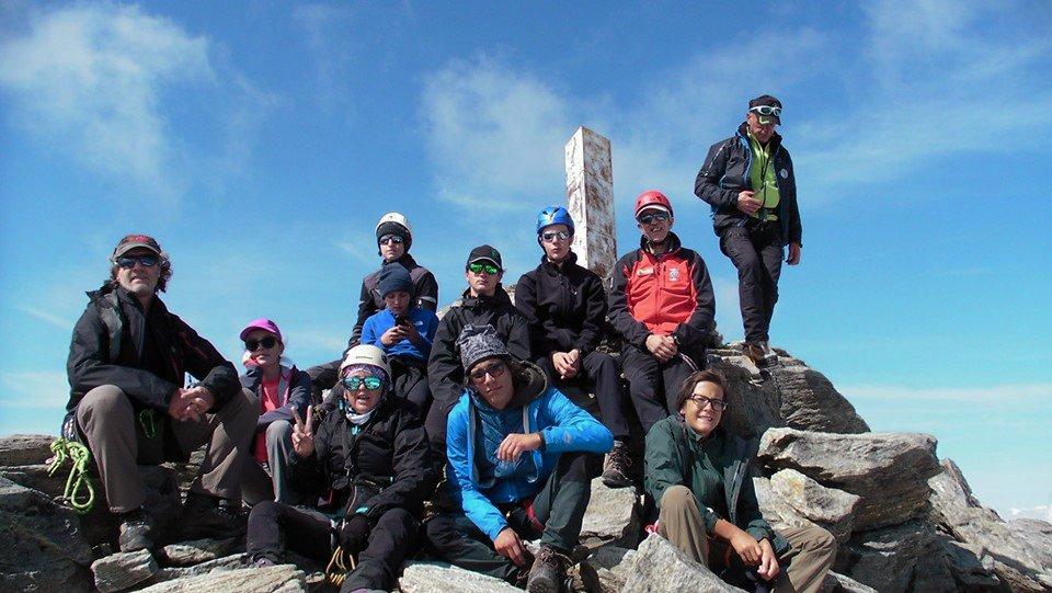 Avventura in alta quota per i ragazzi più grandi dell'#AlpinismoGiovanileL'#escursione sul #ghiacciaio #Rutor, Valle d'Aosta, si è tenuta dal 16 al 20 luglio scorsi. Bravissimi!!!  storia e immagini https://caisag.ts.it/photo-gallery-trekking-ghiacciaio-rutor/…#caisag #trieste #fvg #trekking @CAI150 @caifvg