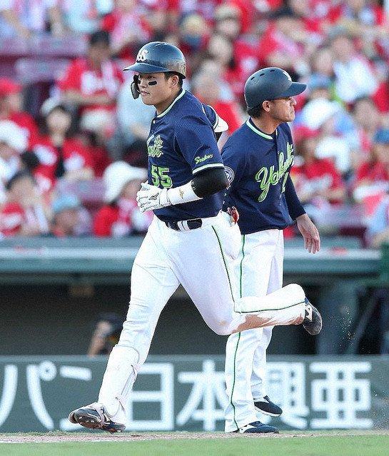 【怪物】ヤクルト・村上宗隆、34号&35号!10代最多本塁打を更新 https://t.co/1UagJJvX2E  自らが持つ10代の最多本塁打を更新。これで高卒2年目以内の最多本塁打である、中西太の36発へあと1本と迫った。 https://t.co/H4XRcrtr0X
