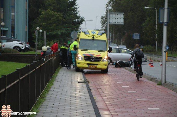 Scooterrijder gewond na ongeluk Middel Broekweg https://t.co/LkGeGsrhs0 https://t.co/ujURGEDbqN