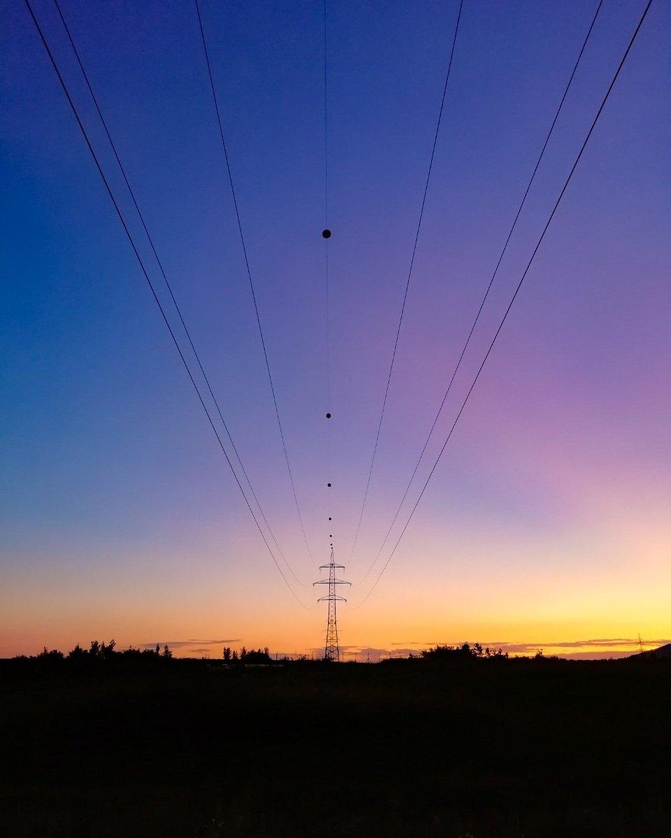 Večerní procházka se hezky vybavila 💛 #dyckyzápad #dyckymobilem #sunsetlover #colorsoftheworld https://t.co/hZ4lA0PvFk