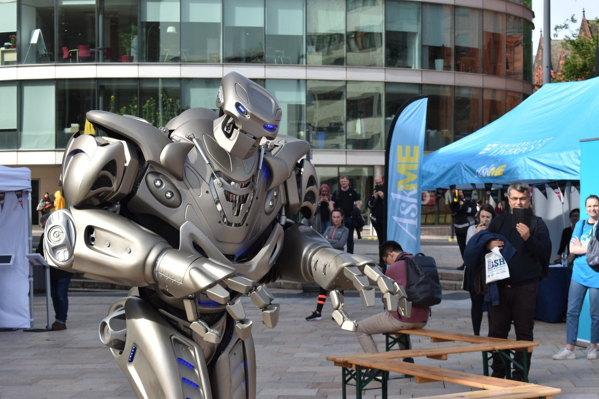Thats right... Titan has landed on campus! 🤖 Missed the show? Pop back to University Square at 1pm! #Titantherobot #HelloLivUni #LivOriginal