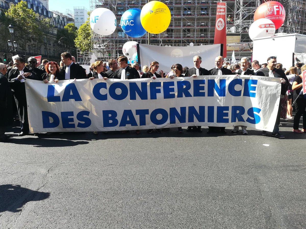@Conf_Batonniers est sur place #ReformeRetraites #SOSretraites #ReformeRetraite<br>http://pic.twitter.com/K1lHLUYpPF