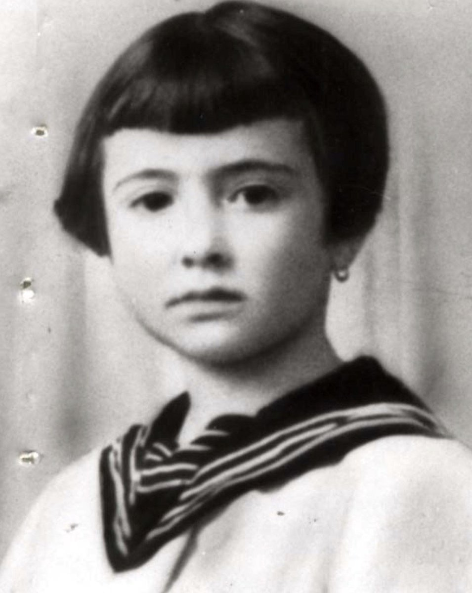 16 September 1942 | A French Jewish girl Felicie Rajter was murdered in a gas chamber at Auschwitz II-Birkenau. She was born on 31 December 1931 in Villerupt. She was deported to Auschwitz from Drancy on 14 September 1942. She was 10 years old. (Photo: @yadvashem)