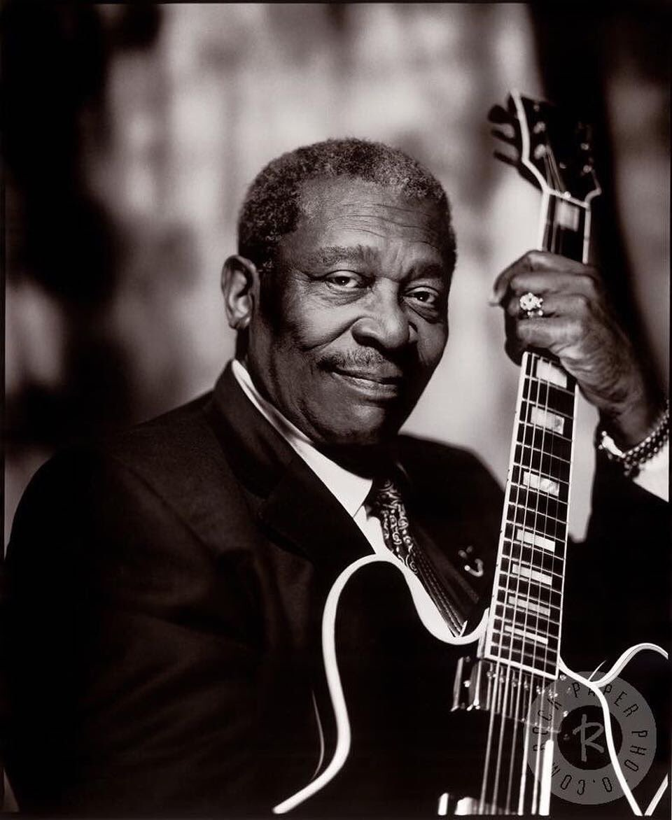 Today, the great, unique and incomparable B.B. King would have been 94 years old... R.I.P. legend!  #bbking #ripbbking #guitarist #vocalist #musician #songwriter #blues #legend #icon #master <br>http://pic.twitter.com/yHsYNnVyZz