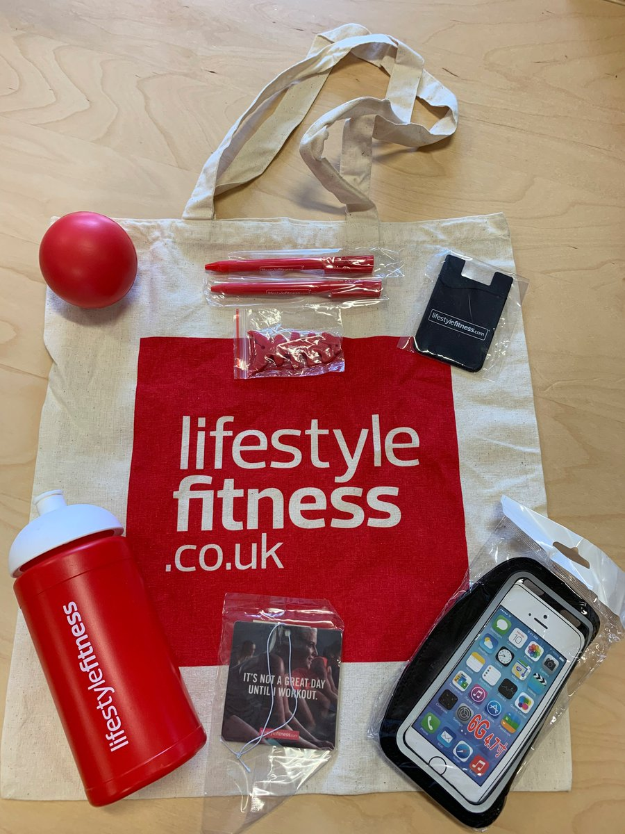 Competition time   Our mid-month giveaway is back! To enter all you have to do is follow these steps -   Like our page   Like this post and mention a gym buddy in the post  Retweet this post  Winner announced next week!<br>http://pic.twitter.com/OPuRREhhmV