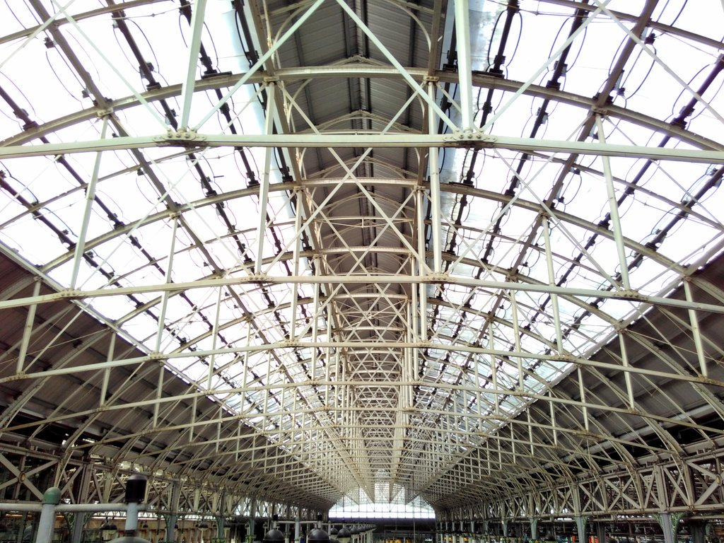 Nice roof you've got there @NetworkRailMAN #ManchesterPiccadilly https://t.co/InL67inB1p