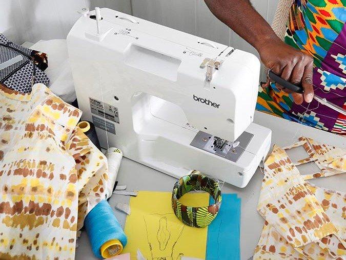 L'espace textile de #Lormont cherche des machines à coudre pour dispenser ses cours de couture gratuits ! Si vous en avez une à donner qui traine dans un placard, n'hésitez pas à les contacter au 06 49 19 21 63. #don #couture #activité #lormont #espacetextile gironde #recyclage https://t.co/jdtvoYcUtl