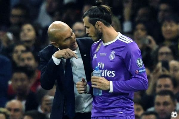 RT @FichajazoWeb: El guiño de Zidane a Gareth Bale que habrá gustado a Florentino Pérez https://t.co/NnyTzBAXDj https://t.co/c6LFCn1UnC