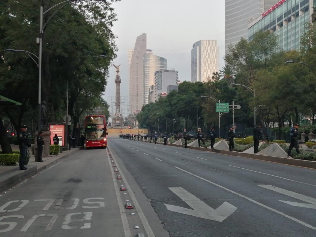 Previo al desfile militar, cerrado el Paseo de la Reforma, desde Periférico hasta el centro de la CDMX. #AsíLasacosas @WRADIOMexico @sandovalvictor