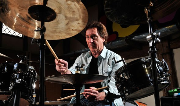 Happy Birthday to Kenney Jones, whose main crime was not being Keith Moon.