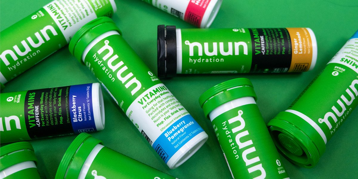 5 signs that you're dehydrated: 1. Dark urine 2. Higher heart race 3. Feeling lightheaded 4. Headaches that won't go away 5. Feeling fatigued #makeyourwatercount and stay ahead of your hydration with our help! Read more here --->  http:// nuun.life/5-signs-you-ar e-dehydrated   … <br>http://pic.twitter.com/cDhWlEETU7