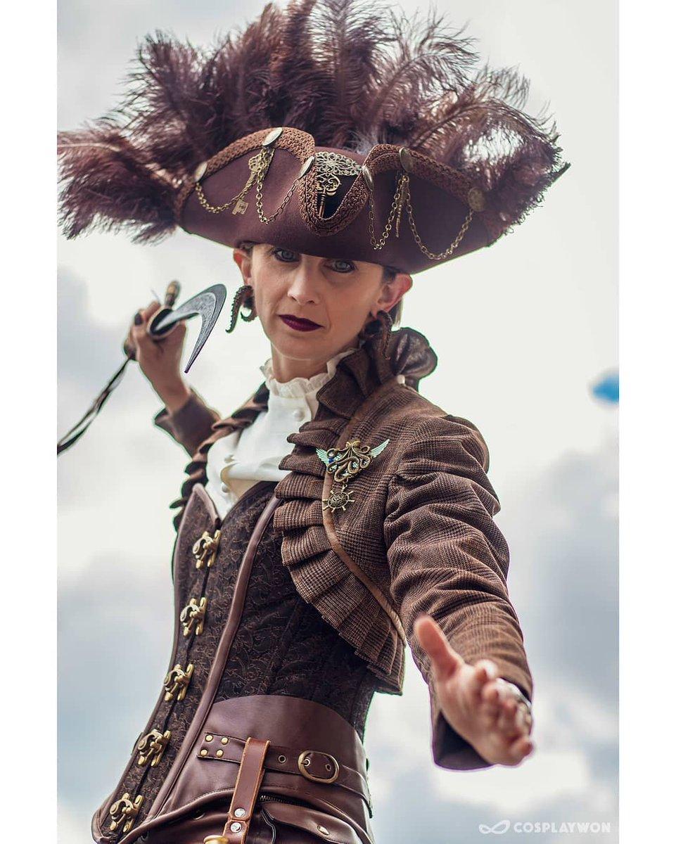 Steampunk Pirate  By adventures_in_janeland 📸 @CosplayWon  https://t.co/mZntyFbo9X  🏷 #cosplay #cosplaygirl #comiccon #mcmldn #mcmldn19 #mcmldnmay19 #comiccon #mcmexpo #steampunk #steampunkcosplay #steampunkpirate #pirate #piratecosplay