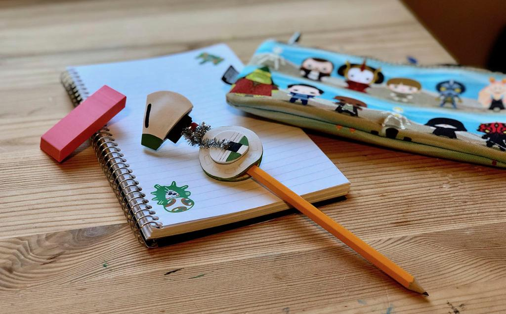 This DIY D-O pencil topper is the perfect companion for a new school year: strw.rs/6014Ehd4i
