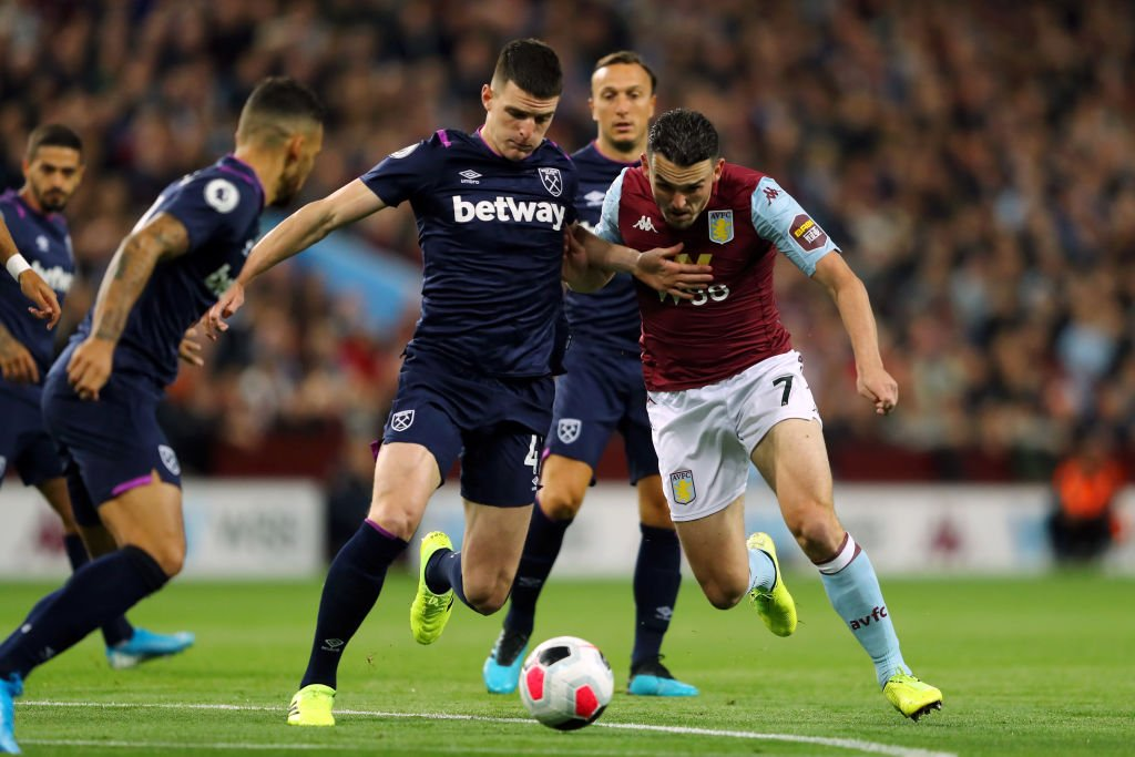 Aston Villa have the ball in the net, but it won't count...Aston Villa 0-0 West Ham.Live text commentary: http://bbc.in/2mhy2EJ#AVLWHU #AVFC #WHUFC #bbcfootball