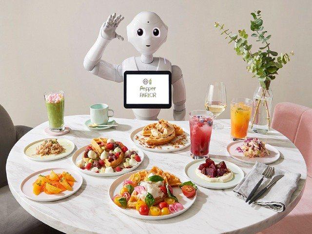人とロボットの共生を体験できるカフェ--12月に「Pepper PARLOR」オープン