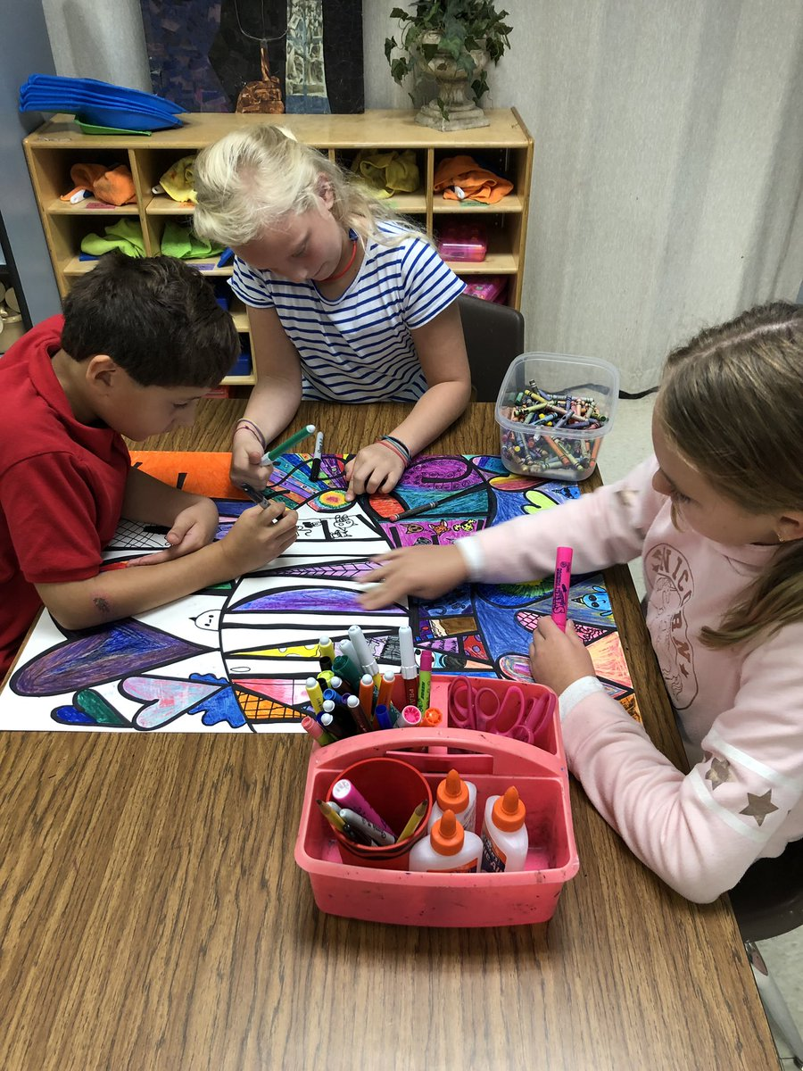 Loving our 3rd through 5th grade collaborative art project!!@HumbleISD_DWE  #DWE2020 <br>http://pic.twitter.com/ndMEEqA9o9