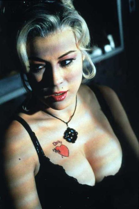 Happy 61st birthday to Jennifer Tilly (