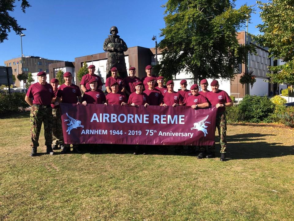 Arnhem Memorial March Day One - Aldershot to Arnhem for Support our Paras. Top job Airborne REME! Donate at justgiving.com/fundraising/ar…