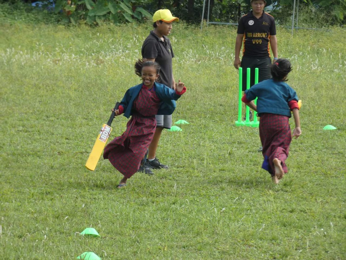 😍😍😍Love the smile on the children face during ELP🏏🏏🏏 session in Kencholing Pry School under Sarpang District. #SarpangCricket #BhutanCricket #Bhutan #criiio #lovecricket #cricket #ICC #Children #play Anywhere🏫 Anytime🌤 Anyone👩‍🏫👨‍🏫