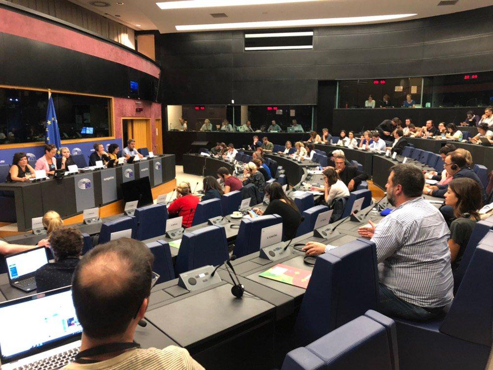 Recibimos en Estrasburgo a @Altsasugurasoak, donde han contado con detalle al @GUENGL la absoluta injusticia en todo lo que rodea al caso que mantiene a sus hijos en prisión de manera arbitraria desde hace más de 1.000 días. Todo nuestro apoyo en nombre de @iunida y @elpce
