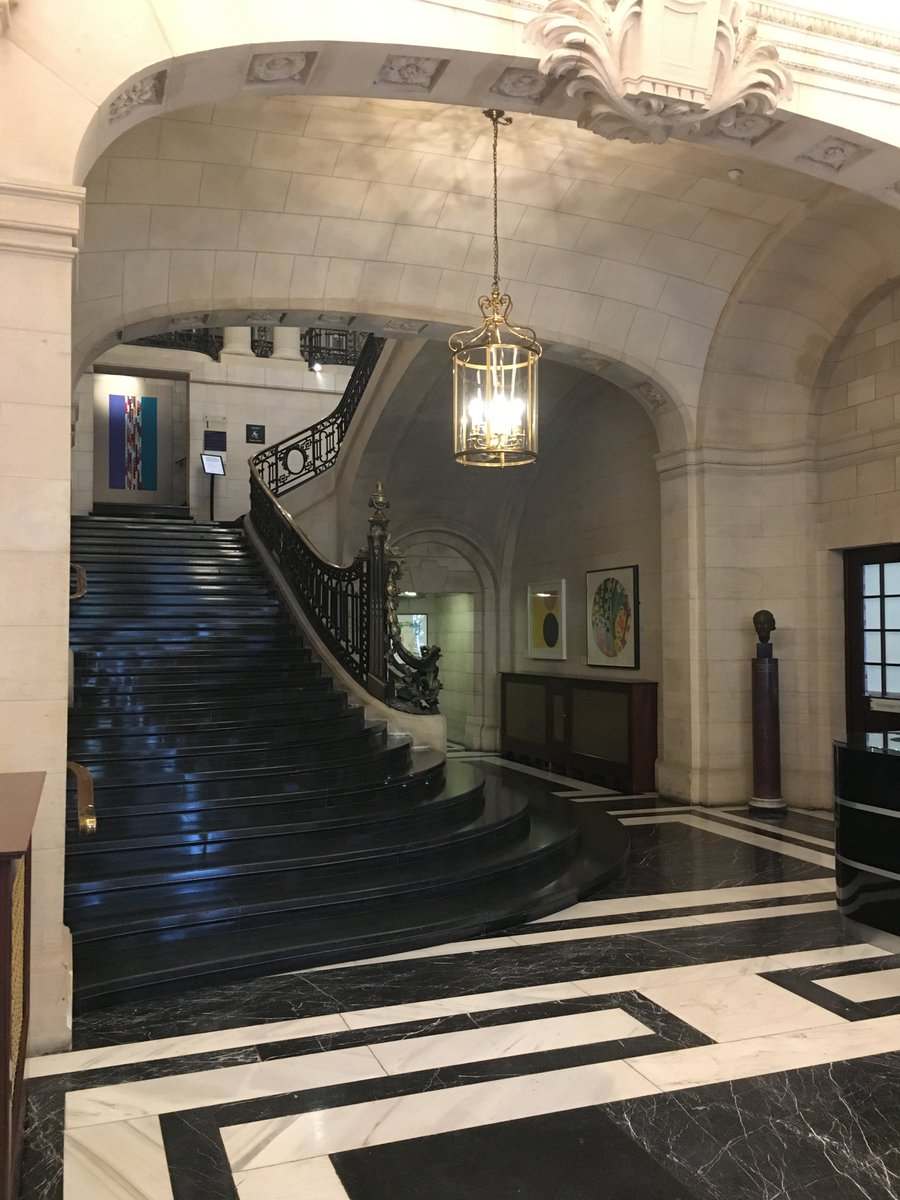 An appropriately grand entrance @10_11CHT. This spectacular Georgian townhouse is the residence of former Prime Minister William Gladstone. Today as an event venue it offers a wealth of meeting options from a boardroom for 10 to a 500 person reception!