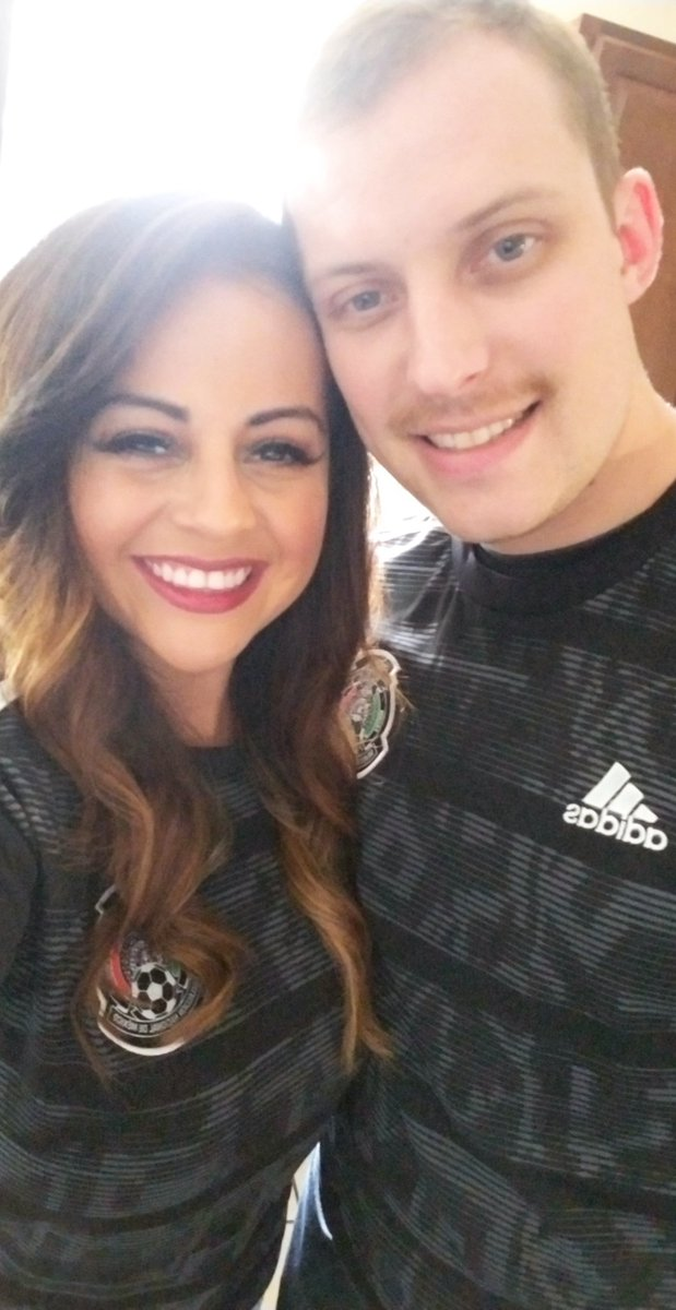 Happy #MexicanIndependenceDay  Celebrate, be proud and most importantly teach others about our beautiful traditions. I love sharing my culture with others and hope today everyone can come together for a good time   (Me and the hubs when we went to see Mexico play!) <br>http://pic.twitter.com/F78EHCo7RT