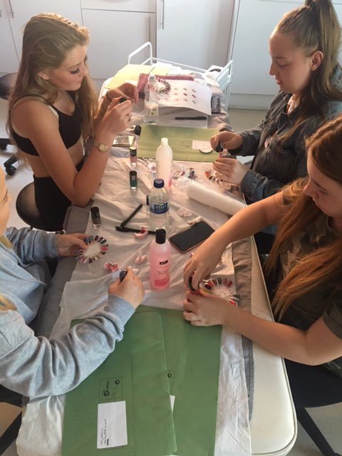 Our Monday evening project has started, any year 9-10 or 11 from South Leeds wanting a taster in Hair/beauty, Mechanic's or catering contact Donna @ dhall@hunsletclub.org.uk