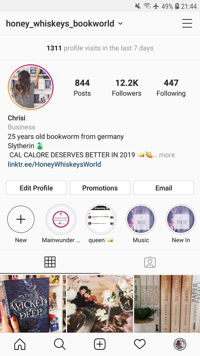 Did you know that i have a bookstagram? I mean i suck but..   https://www. instagram.com/honey_whiskeys _bookworld?r=nametag  …  <br>http://pic.twitter.com/glHYyj14le